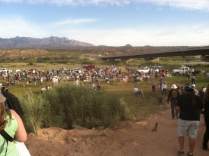 Bundy Party crowd
