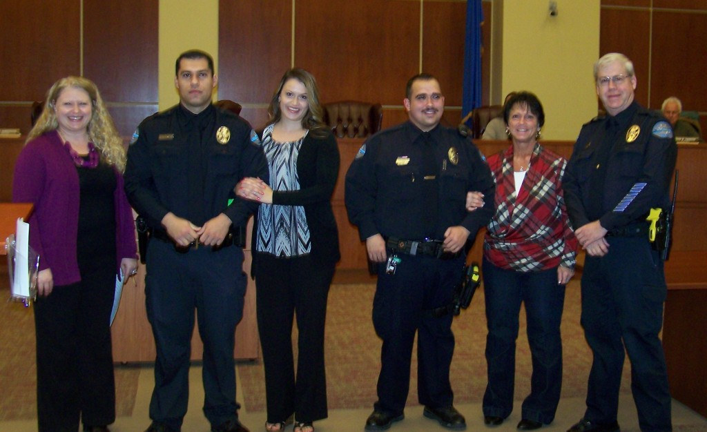 Mayor Emily Carter, Officer Alejandro Sanchez with Tarin Ratliff, Officer Cutter Love with his mother Cathy Love, Chief Burdel Welsh. Photo Lt.Don Lininger