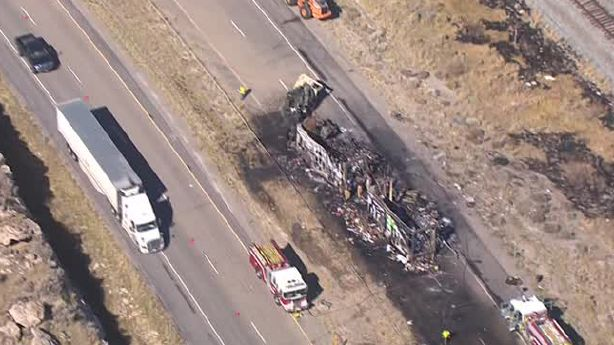 Here we can see the burned Fedex truck and trailers on the westbound lanes.(Aerial vue courtesy KSL)